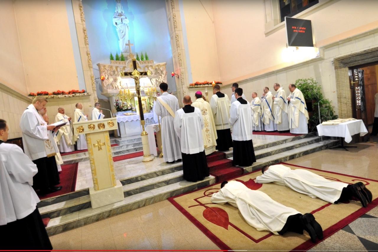 Śluby zakonne i święcenia